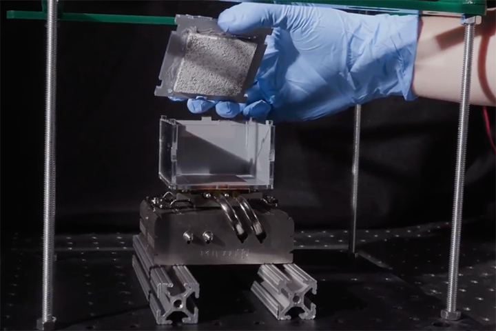 MIT MechE Video: Pulling drinking water out of thin air