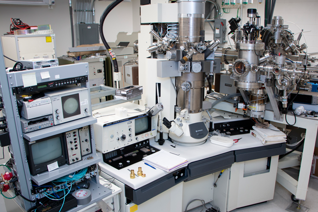 Transmission Electron Microscopy in MIT Materials Research Laboratory.